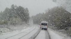 Сняг през април и в Търговищко
