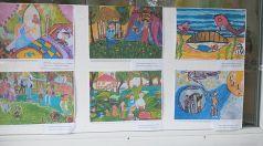"""В ДГ """"Веселушко"""" подредиха изложба с рисунки за празника на детето"""